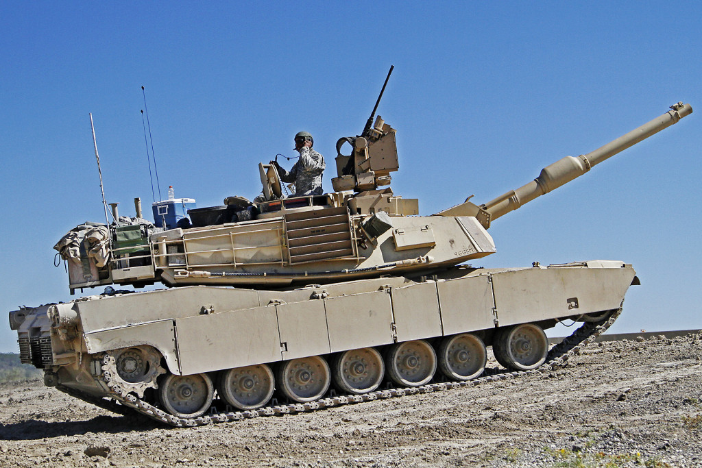 Soldiers assigned to the 2nd «Stallion» Battalion, 8th Cavalry Regiment, 1st «Ironhorse» Brigade Combat Team, 1st Cavalry Division, prepare an M1A2 Abrams tank for a firing iteration during the Stallion's fall gunnery