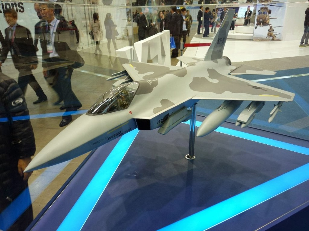 Korea Aerospace Industries, on the other hand, prefers a single-engine concept, dubbed C501, which is to be built based on the FA-50, a light attack aircraft version of the T-50 supersonic trainer jet co-produced by Lockheed Martin