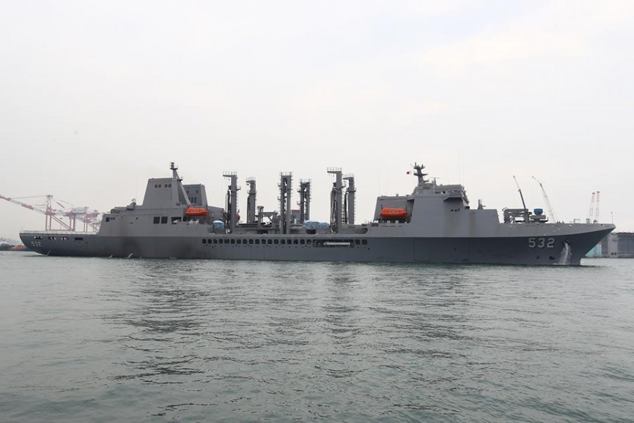 New locally-built fast combat support ship AOE 532 Panshih finished its sea trials and officially entered ROC Navy service on Friday, January 23, 2015