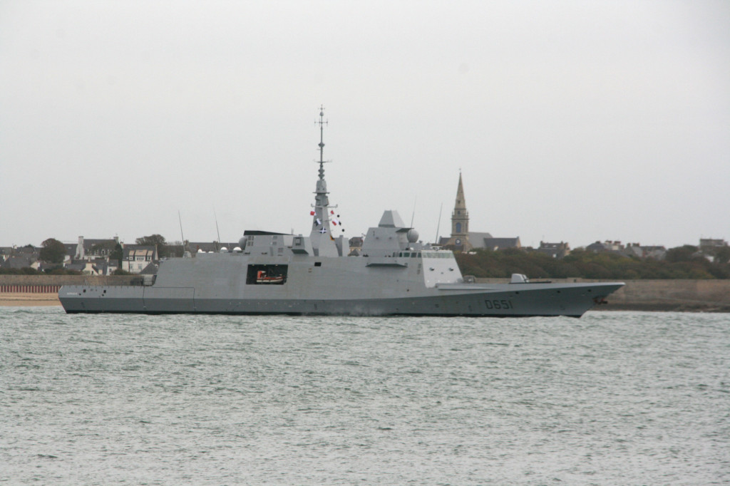 D651 «Normandie» FREMM multi-mission frigate (side view)