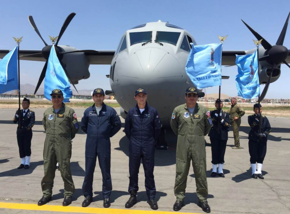 Defence Minister Peter Cateriano received this afternoon the FAP's first aircraft C-27J Spartan,