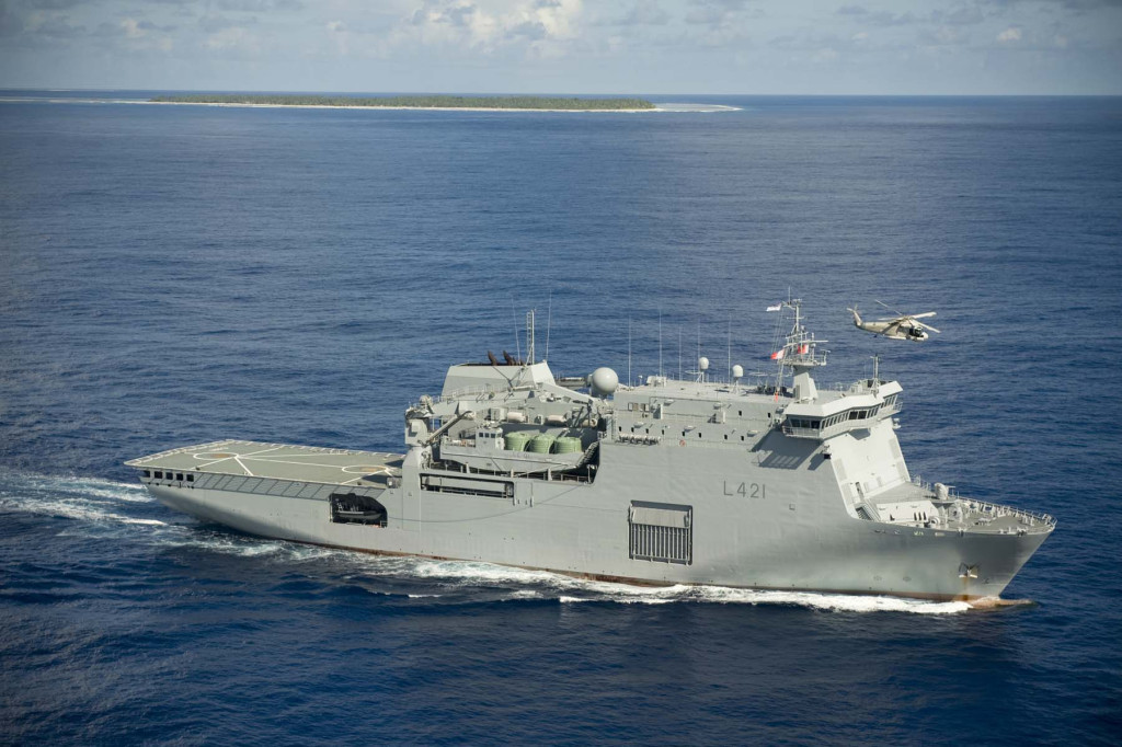 Exercise Tropic Twilight 09, Disaster relief operation. HMNZS Canterbury
