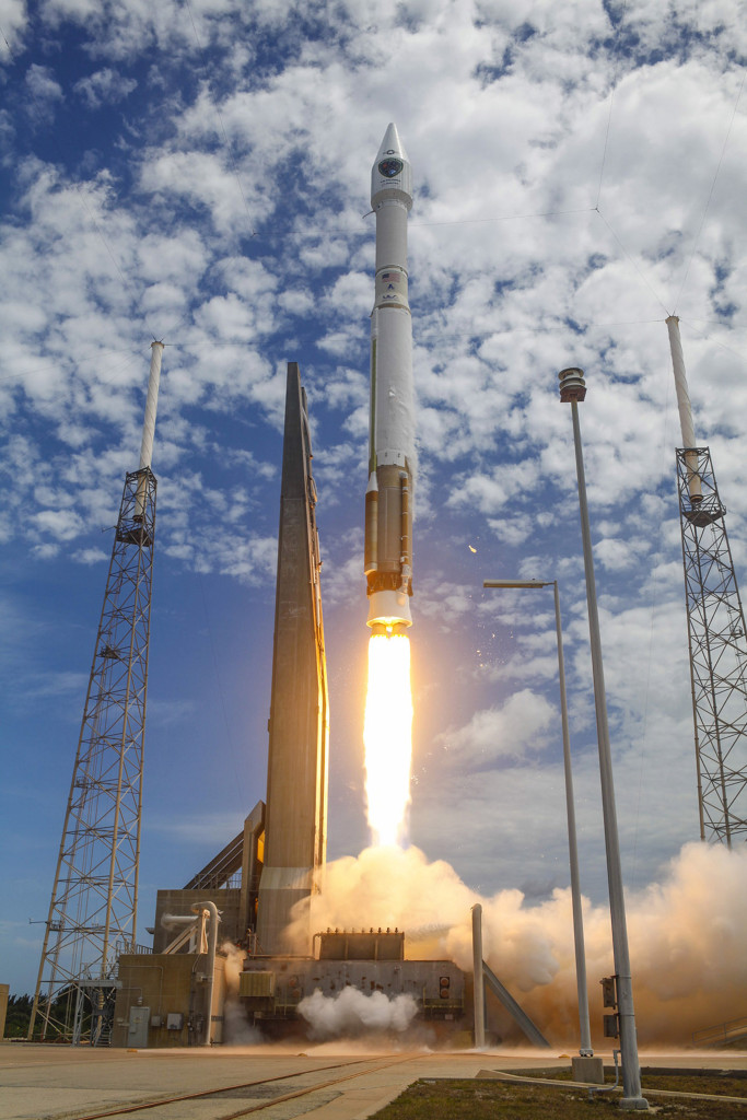 A United Launch Alliance Atlas V blasts off from Cape Canaveral with the GPS IIF-10 mission for the U.S. Air Force (United Launch Alliance photo)