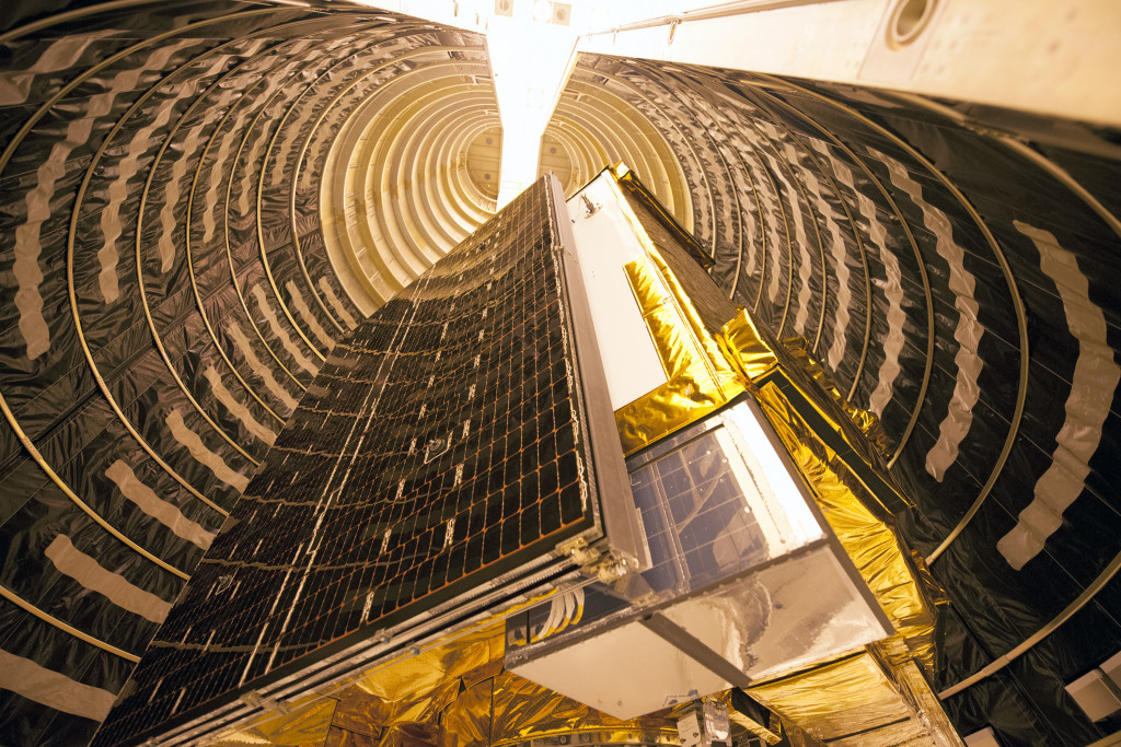 GPS IIF series satellite is encapsulated inside an Atlas V 4-meter payload fairing