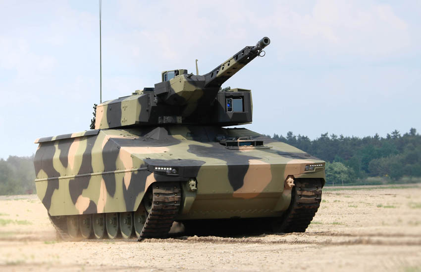 The powerpacks for the KF31 and KF41 Lynx variants are said by Rheinmetall to develop 563 kW/755 hp and 700+ kW/940 hp respectively, giving top speeds greater than 40 mph/65 km/h and 43 mph/70 km/h