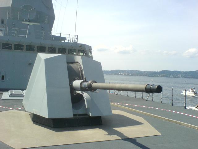 76-mm OTO Melara Super Rapid of the Norwegian Nansen-class frigates. A possible future Finnish deck gun? (Source: Wikimedia Commons/Ketil)