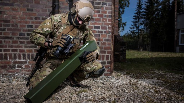 It enables dismounted infantry to engage lightly protected battlefield/urban targets at relevant combat ranges, with high precision and minimal exposure to the operator