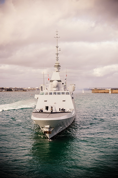 Under the project management of DCNS, the heavily-armed FREMM frigates are equipped with the most effective weapon systems and equipment, such as the Herakles multifunctional radar, the naval cruise missile, the Aster and Exocet MM 40 missiles and the MU 90 torpedoes