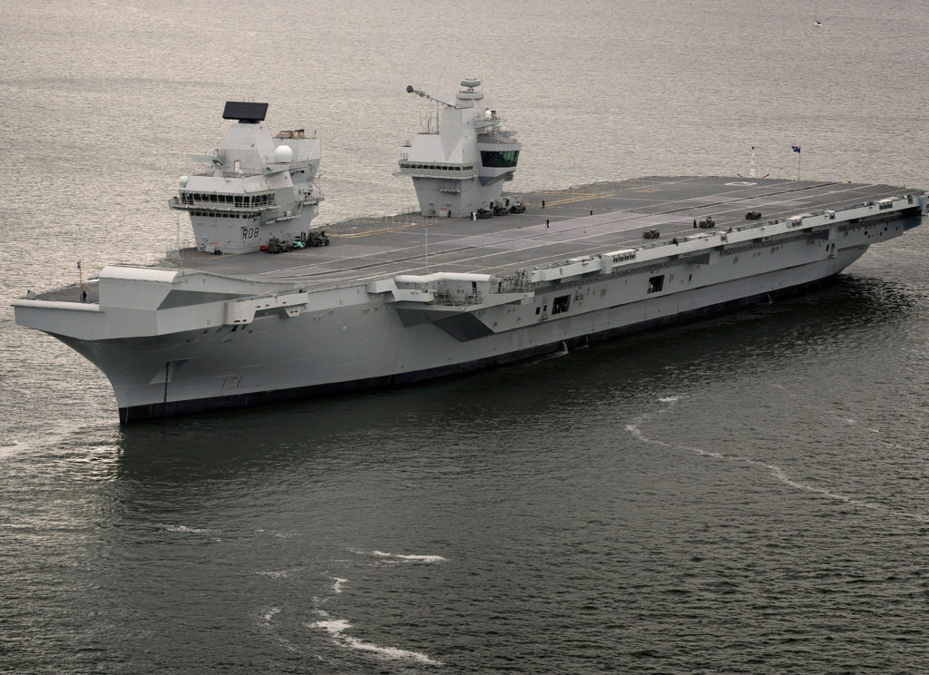The squadron will be assigned to HMS Queen Elizabeth (R08) throughout the carrier's 50-year lifespan, protecting the ship against any submarine threats, and flying personnel and equipment on and off