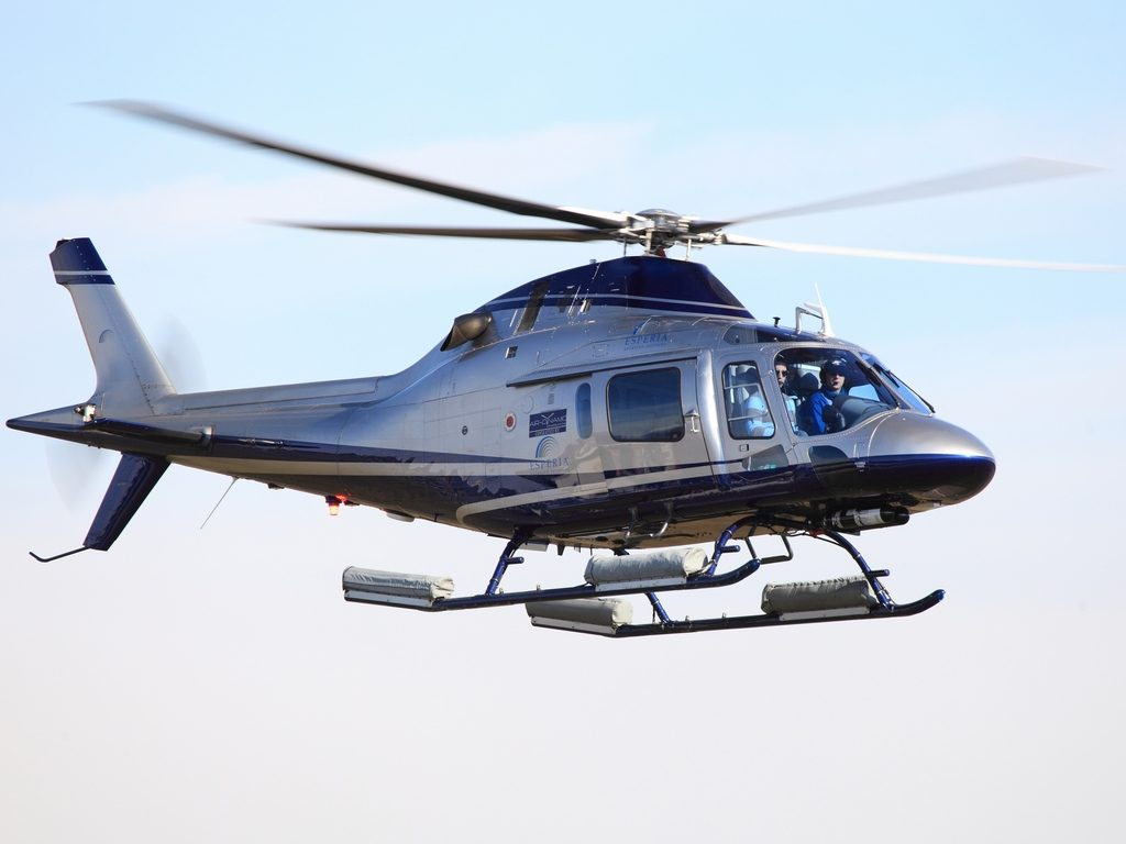 The most spacious and most powerful light single engine helicopter