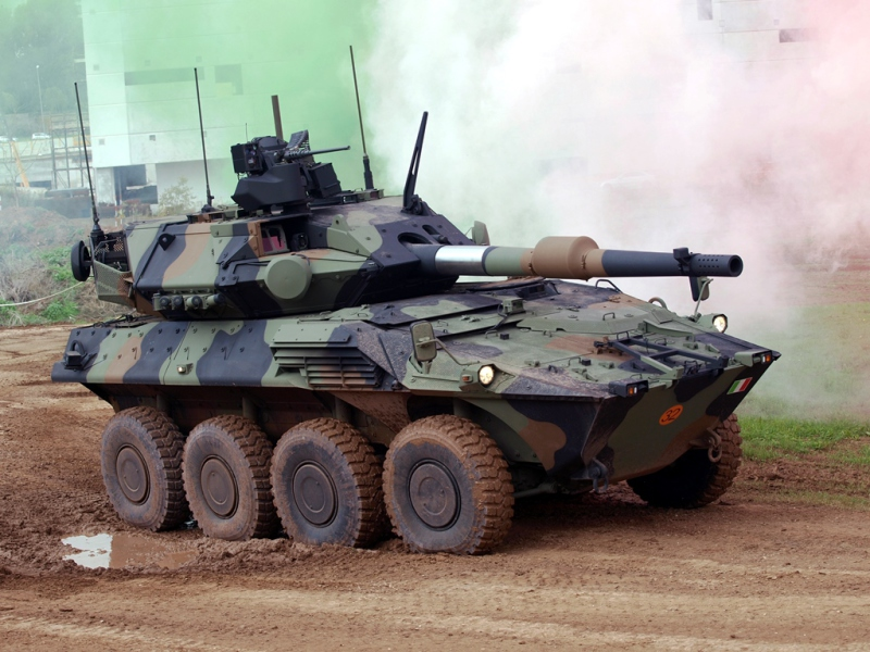 Along with Japan, Italy is one of the few countries to operate large 8×8 vehicles armed with a 120-mm tank gun, and capable of a large range of battlefield missions, and it has now ordered the improved Centauro II version (Iveco photo)