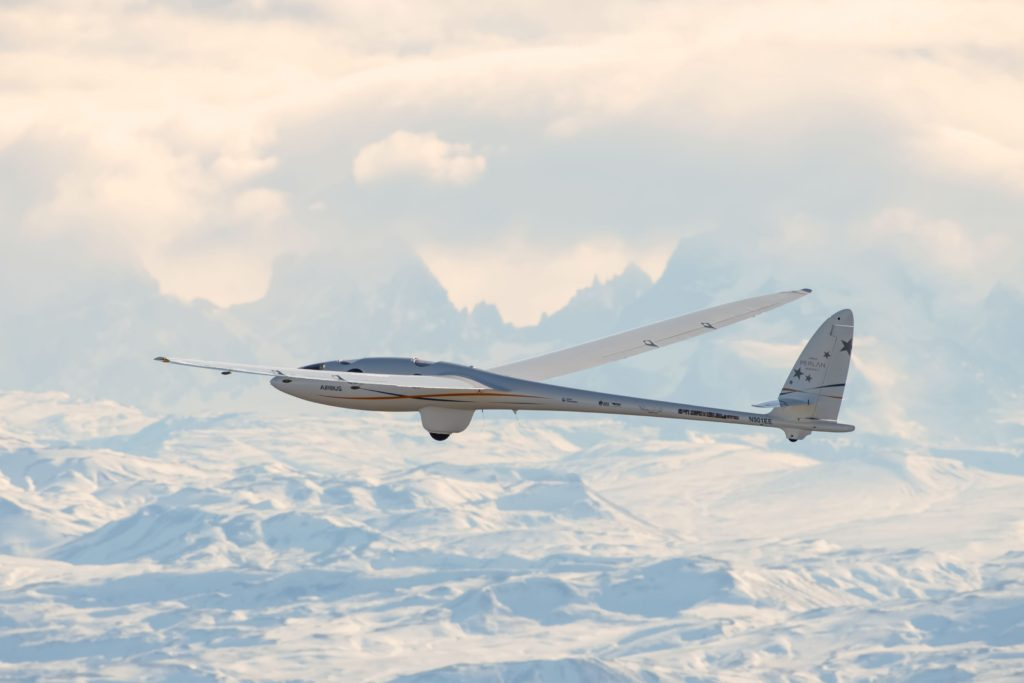 Airbus Perlan Mission II soars to over 62,000 feet/18,898 m, setting second altitude world record and crossing Armstrong Line (Airbus photo)