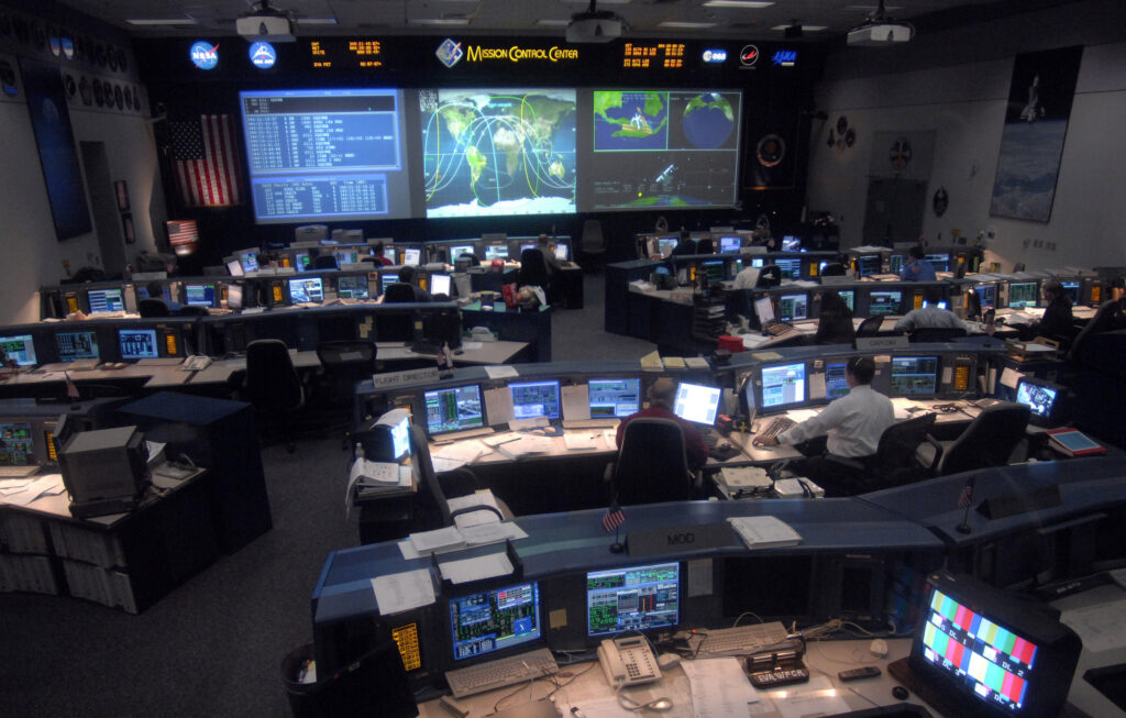 U.S. Air Force and Raytheon collaborate to modernize space command and control system